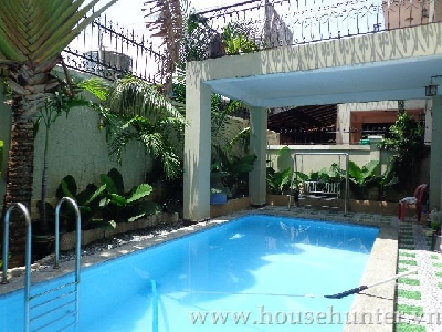 4 bedroom Villa with great pool in district 7