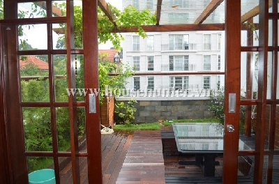 images/thumbnail/luxury-apartment-in-downtown-close-to-cathedrale-notre-dame-nice-garden-_tbn_1488016194.jpg