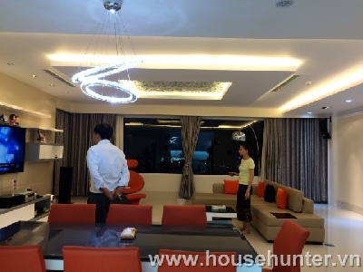 images/thumbnail/modern-and-luxury-saigon-pearl-penthouse-fully-furnished-great-view_tbn_1488183440.jpg