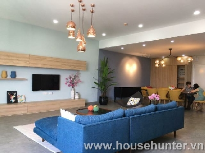 images/thumbnail/modern-and-western-style-penthouse-in-saigon-pearl_tbn_1492141039.jpg