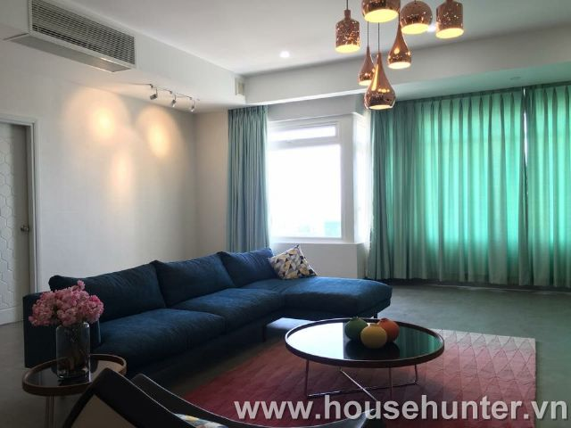 images/upload/modern-and-western-style-penthouse-in-saigon-pearl_1492140997.jpg