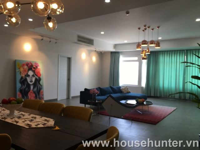 images/upload/modern-and-western-style-penthouse-in-saigon-pearl_1492141005.jpg