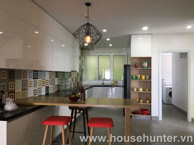 images/upload/modern-and-western-style-penthouse-in-saigon-pearl_1492141011.jpg
