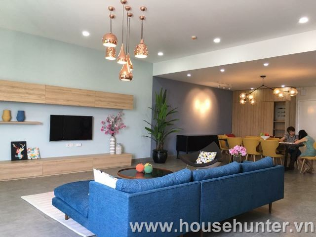images/upload/modern-and-western-style-penthouse-in-saigon-pearl_1492141039.jpg